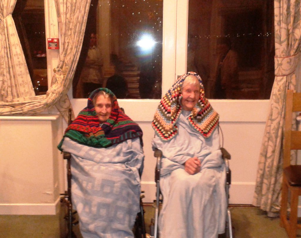 Hill House residents brave the elements